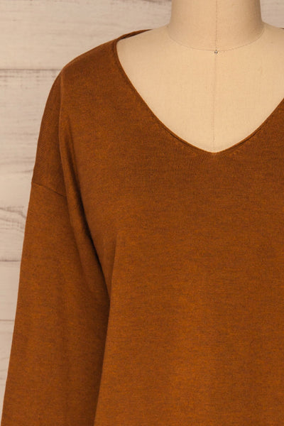 Lezajask Brown Long Sleeve Top | La petite garçonne front close-up