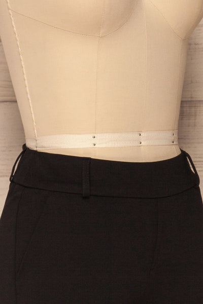 Lieksa Black Bermuda Shorts w/ Pockets | La petite garçonne side close-up