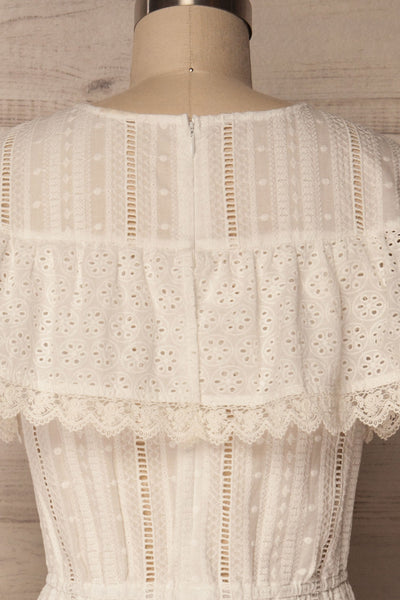 Lippelo | White Dress With Embroidery