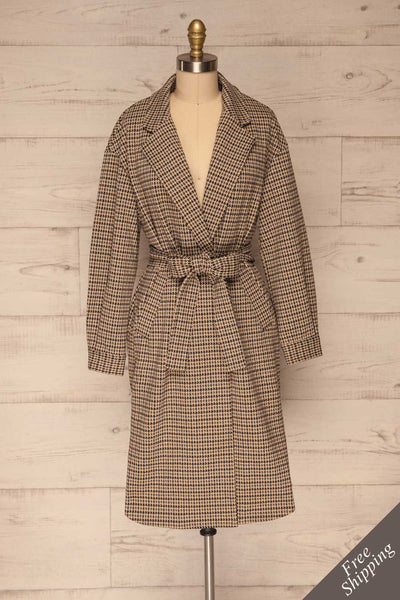 Londres Long Beige Houndstooth Coat | La petite garçonne front view belt