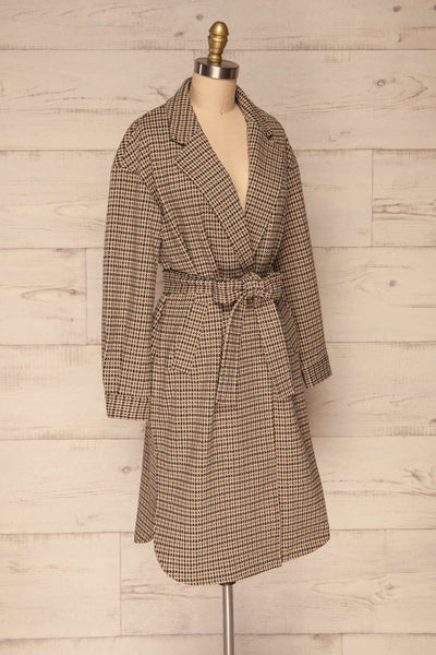 Londres Long Beige Houndstooth Coat | La petite garçonne side view