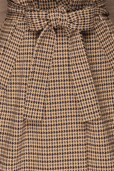 Londres Long Beige Houndstooth Coat | La petite garçonne fabric