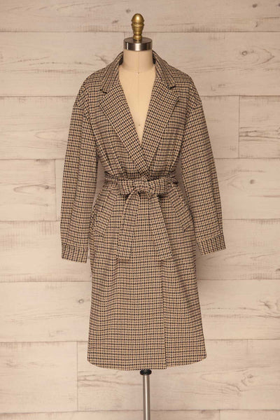 Londres Long Beige Houndstooth Coat | La petite garçonne front close up