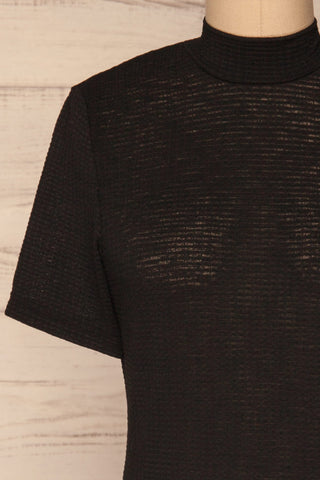 Lucca Noir Waffled Short Sleeve Top | Haut | La petite garçonne front close-up