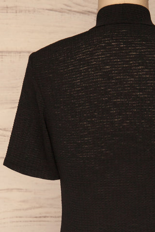 Lucca Noir Waffled Short Sleeve Top | Haut | La petite garçonne back close-up