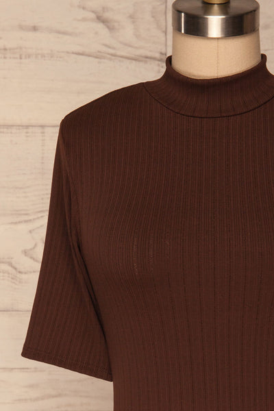 Lupeni Marron Mock Neck Top | Haut Brun front close up | La Petite Garçonne