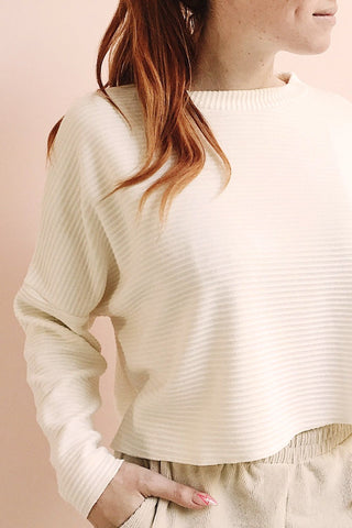 Magan Cream Knit Sweater | Tricot photo | La Petite Garçonne