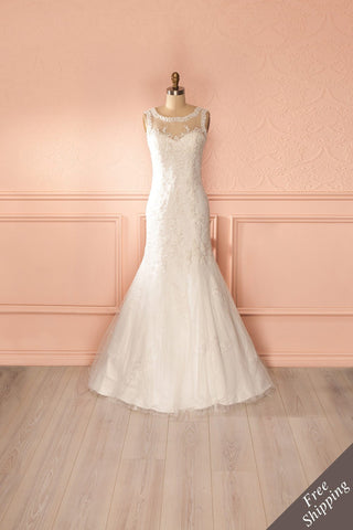 Marie-Anne - Bridal white lace gown with a train