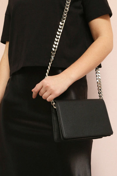 Miley Black Purse w/ Metal Chain Strap | La petite garçonne on model