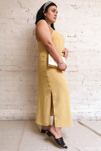 Mirandela Yellow Linen Midi Dress | La petite garçonne model look 1