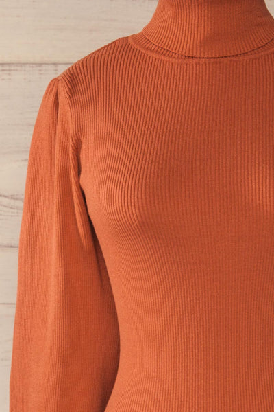 Moino Clay Orange Puffy Sleeve Turtleneck | La petite garçonne front close-up