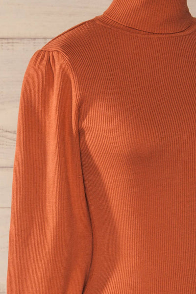 Moino Clay Orange Puffy Sleeve Turtleneck | La petite garçonne side close-up