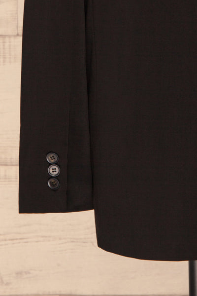 Myrl Noir Black Blazer | Veston Noir sleeve close up | La Petite Garçonne