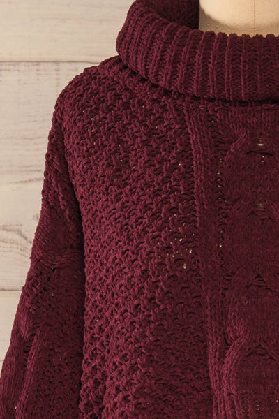 Nakka Burgundy Cropped Knit Sweater | La petite garçonne front close-up