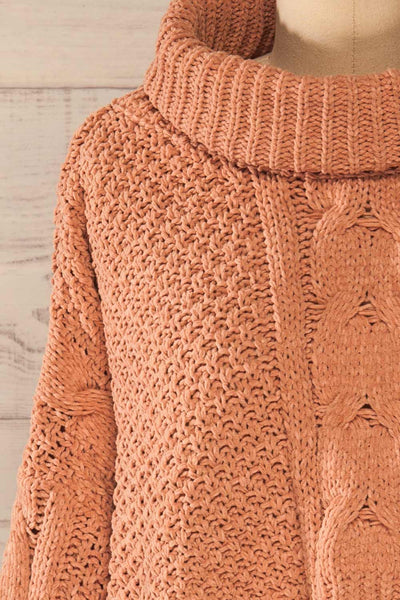 Nakka Pink Cropped Knit Sweater | La petite garçonne front close-up