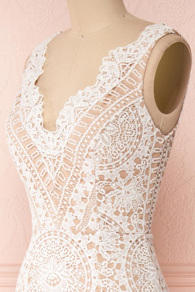 Nyura Ivory Lace Bridal Dress | Robe Blanche | Boudoir 1861 side close-up