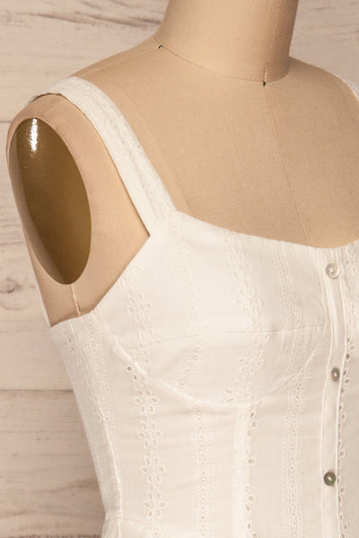 Odivelas White Short Openwork Dress | La petite garçonne side close-up