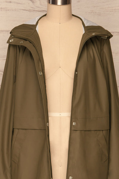Oldham Khaki Matte Raincoat | La Petite Garçonne front close up open