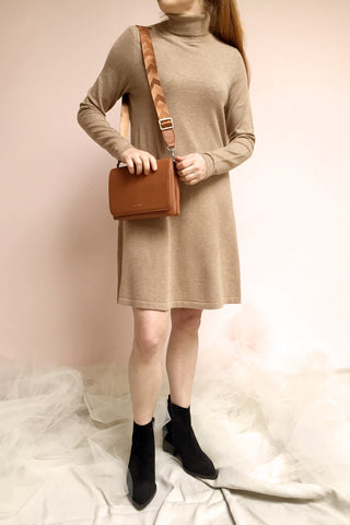 Orphne Camel Sweater Dress | Robe Beige photo | La Petite Garçonne
