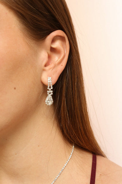 Osanne Silver Shining Pendant Earrings | Boutique 1861 on model
