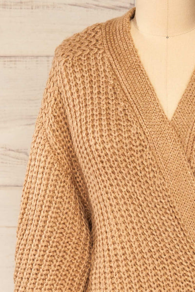 Osijek Taupe Long Sleeve Knit Cardigan | La petite garçonne front close-up