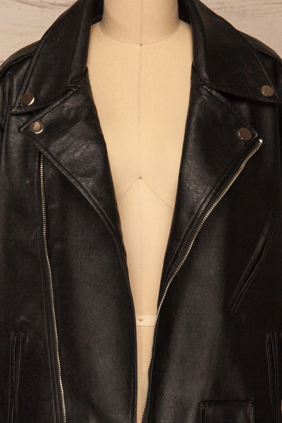 Ostrowiec Black Oversized Motorcycle Jacket | La petite garçonne front close-up open