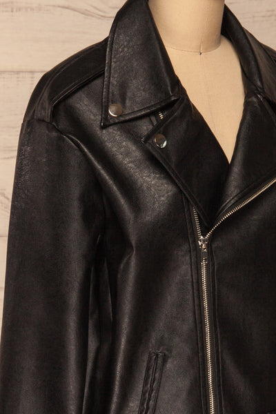 Ostrowiec Black Oversized Motorcycle Jacket | La petite garçonne side close-up