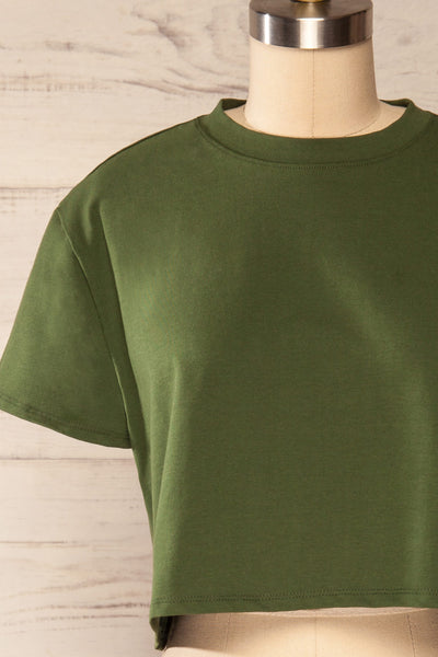 Ovca Green Cropped T-Shirt | La petite garçonne front close up