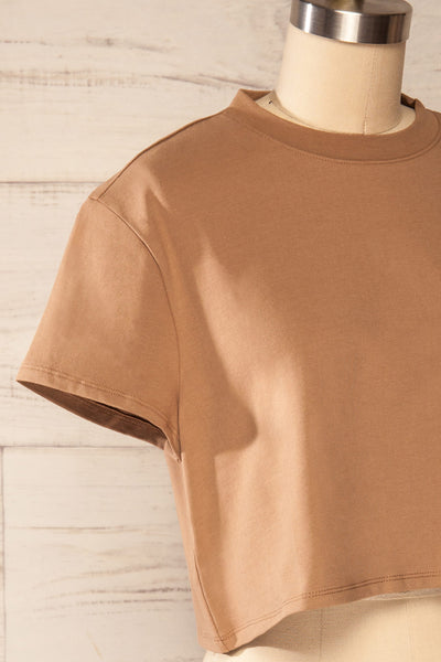 Ovca Taupe Cropped T-Shirt | La petite garçonne side close up