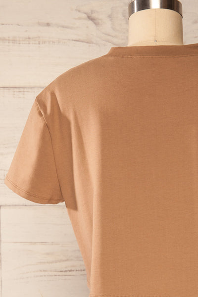 Ovca Taupe Cropped T-Shirt | La petite garçonneback close up