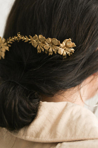 Peitho Gold Hair Jewelry with Flowers & Leaves | Boudoir 1861