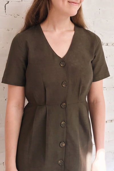 Penza Green Short Sleeve Dress | La petite garçonne on model