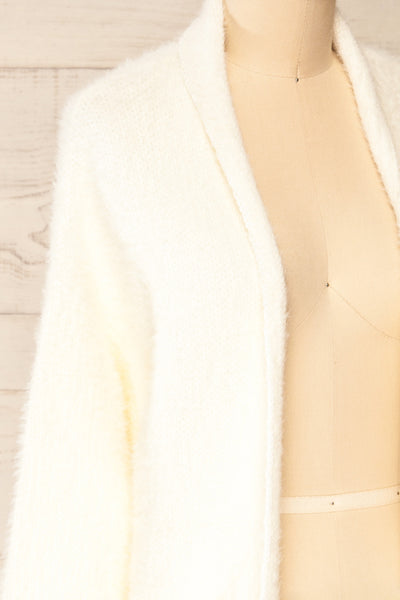 Plock Ivory Fuzzy Open Cardigan | La petite garçonne side close-up