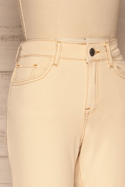 Podgorica Beige High-Waisted Jeans side close up | La petite garçonne