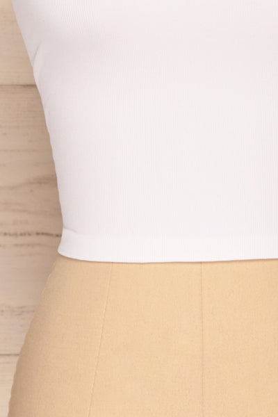 Qyppa White Fitted Crossed Back Crop Top | La petite garçonne bottom