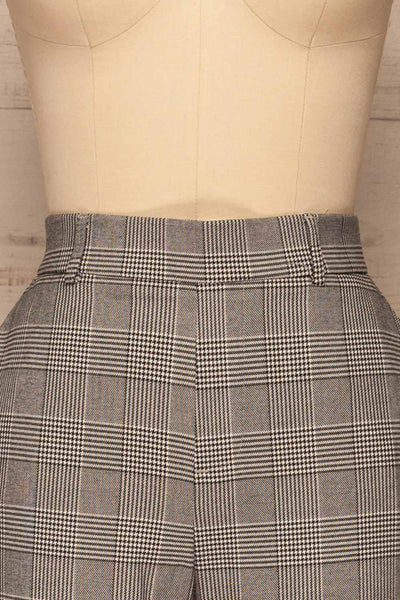 Ronhee Grey Plaid Straight Leg Pants | La petite garçonne front close-up