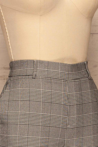 Ronhee Grey Plaid Straight Leg Pants | La petite garçonne side close-up