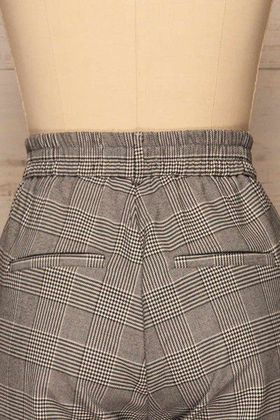 Ronhee Grey Plaid Straight Leg Pants | La petite garçonne back close-up