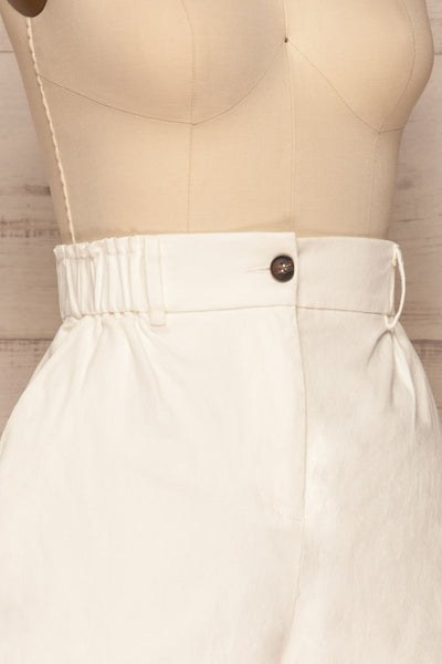 Ropsha White Cotton High-Waisted Shorts side close up | La petite garçonne