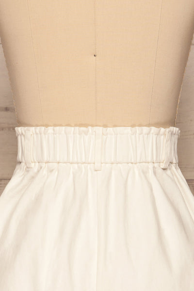 Ropsha White Cotton High-Waisted Shorts back close up | La petite garçonne