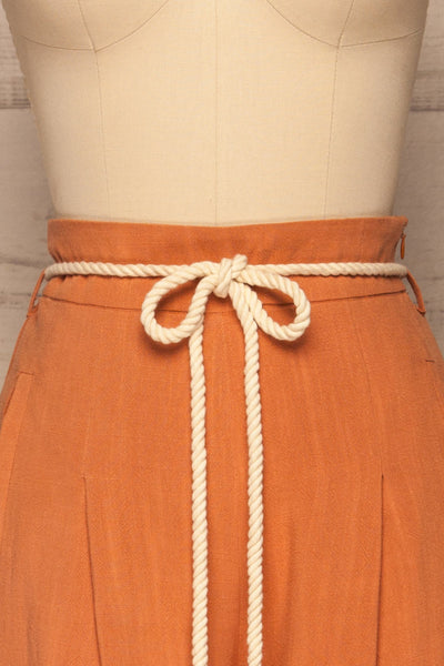 Rotello Orange High-Waisted Cropped Pants | La petite garçonne front close-up