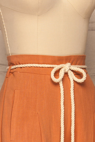 Rotello Orange High-Waisted Cropped Pants | La petite garçonne side close-up