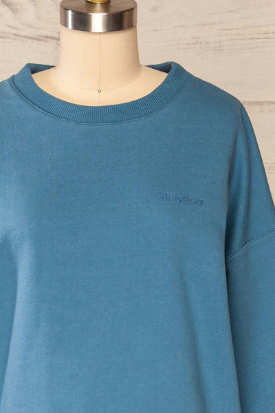 Ruby Crewneck Blue Oversized Sweater | La petite garçonne front close up