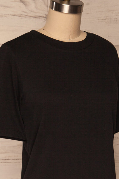 Schore Black Organic Cotton T-Shirt | La petite garçonne side close up