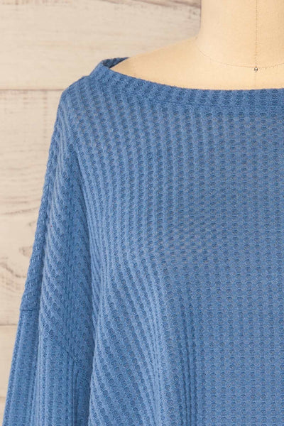 Sepino Blue Cropped Knit Sweater | La petite garçonne front close-up