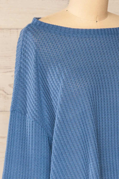 Sepino Blue Cropped Knit Sweater | La petite garçonne side close-up