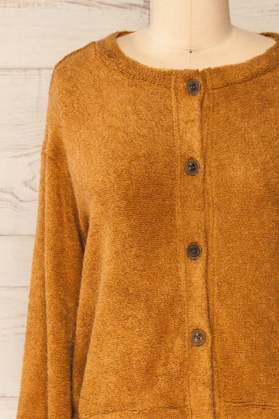 Set Diez Brown Textured Dress & Cardigan | La petite garçonne top front close-up