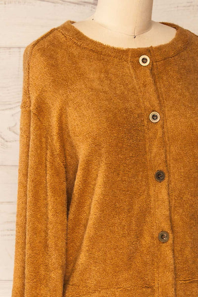Set Diez Brown Textured Dress & Cardigan | La petite garçonne top side close-up
