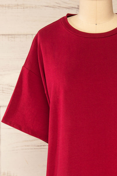 Sindi Burgundy Oversized Cotton T-Shirt | La petite garçonne front close-up