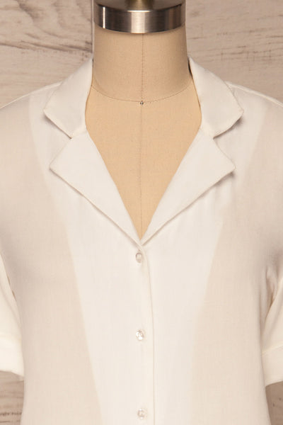 Soresina White Short Sleeved Shirt | La petite garçonne front close up